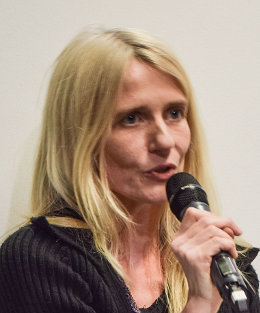 Friederike Habermann (Foto: Christopher Schwarzkopf, Lizenz: CC-BY-SA 4.0, URL: https://commons.wikimedia.org/wiki/File:Friederike_Habermann_(11._ABC_des_Freien_Wissens,_2015).jpg )
