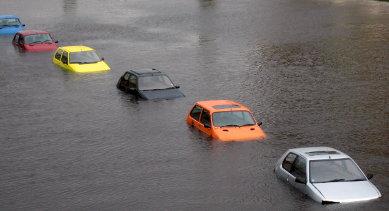 Autos unter Wasser – Bild von Michael Pinsky, Lizenz: CC BY